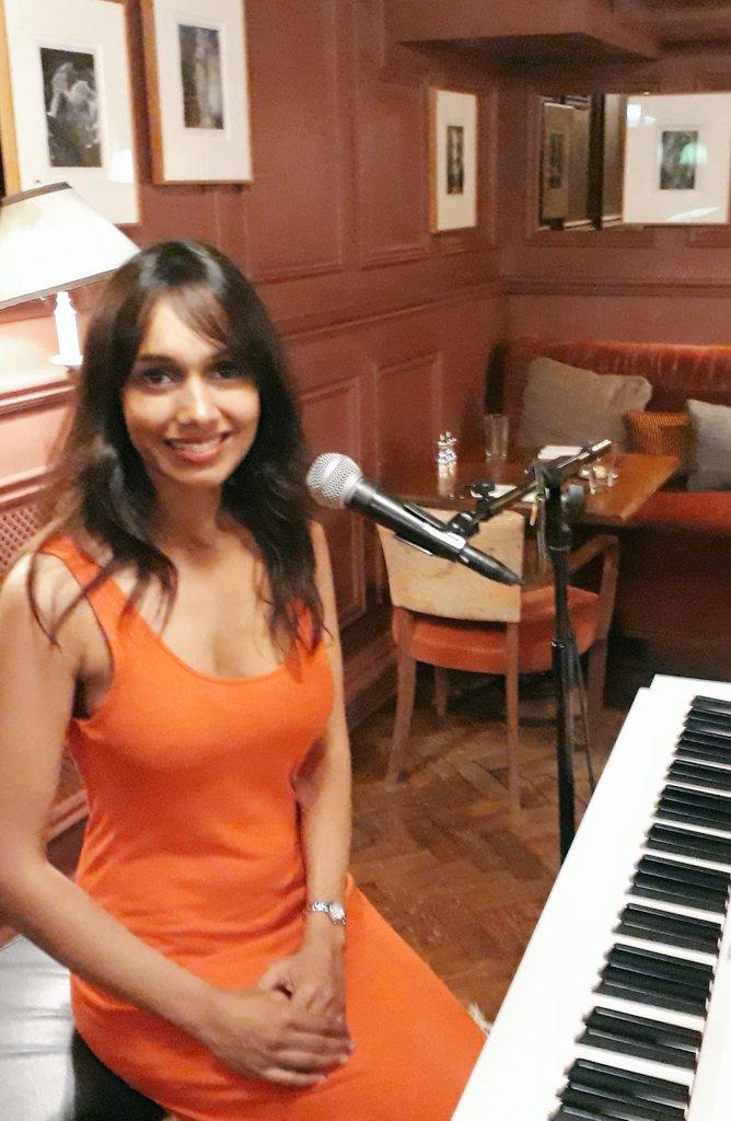 Sumudu Jazz Singer